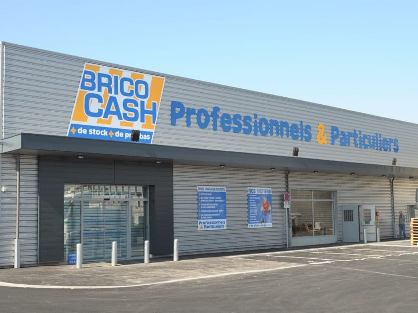 Impact communication fabrication enseigne brico cash en Normandie