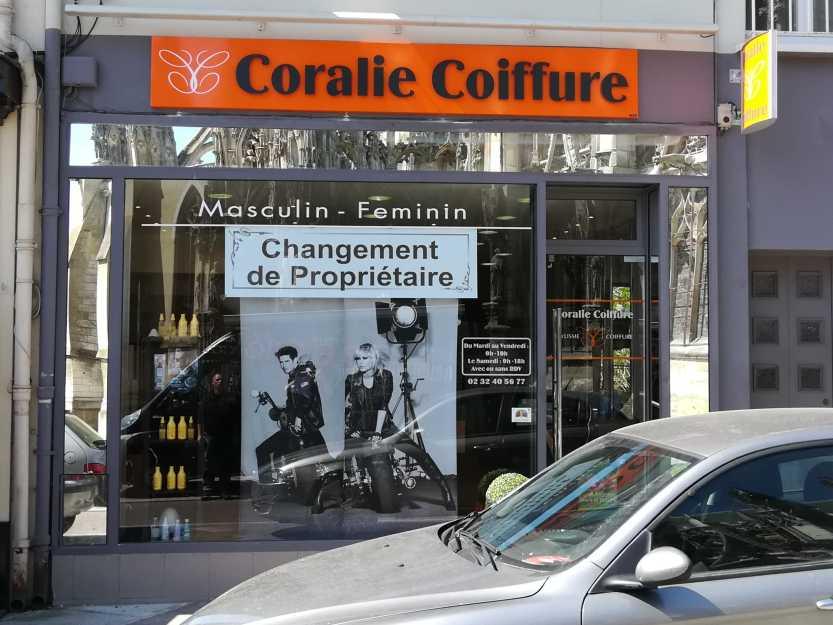 Impact communication fabrication enseigne Coralie coiffure en Normandie
