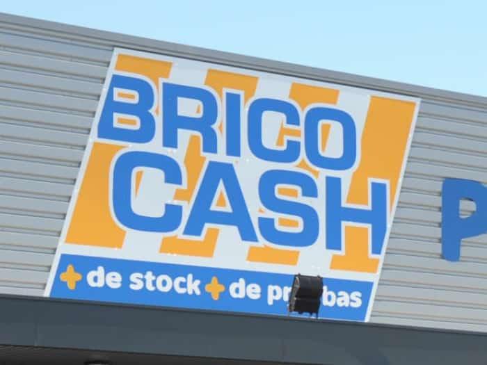 Impact communication réalisation et pose de panneau enseigne pour Brico Cash à Saint-Marcel (27)
