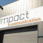 Impact communication réalisation et pose de panneau enseigne au Neubourg (27)