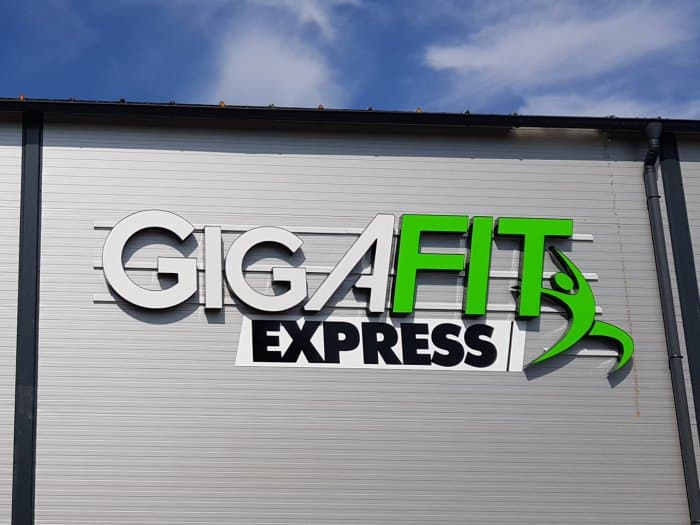 Impact communication réalisation de lettres boitiers Gigafit à Courcelles sur Seine (27)