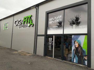 Impact communication réalisation de l'enseigne salle de sport Gigafit à Courcelles-sur-Seine