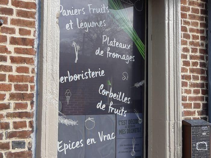impact communication fabrication de lettrage adhésif pour la vitrine de Chou et Ciboulette à Brionne (27)