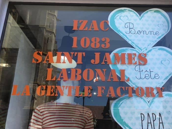 impact communication réalisation de lettrage adhésif pour la vitrine du magasin Jerrycan au Neubourg (27)