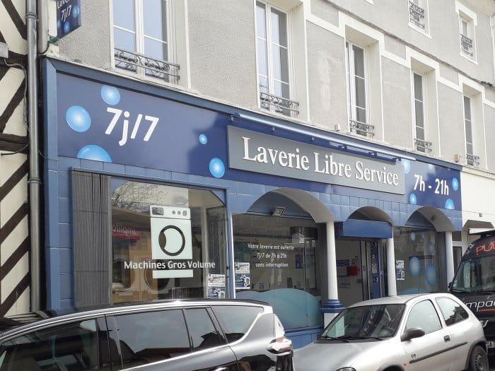 impact-communication-réalisation-enseigne-laverie-libre-service-bernay2