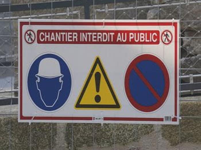 Impact communication fabrication de panneaux rigides pour signalétique de chantier