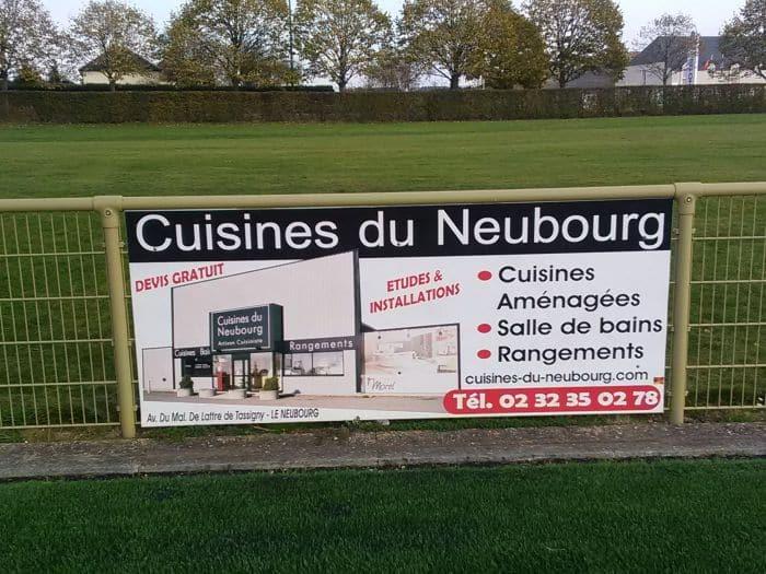 Impact communication fabrication de panneaux rigides pour sponsors Foot du Neubourg (27)