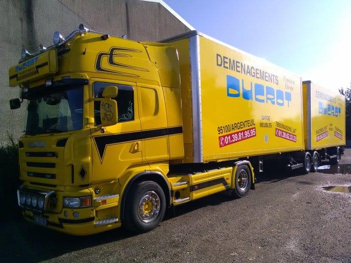 Impact communication réalisation semi-covering camion et remorque pour Ducrot déménagements à Evreux (27)
