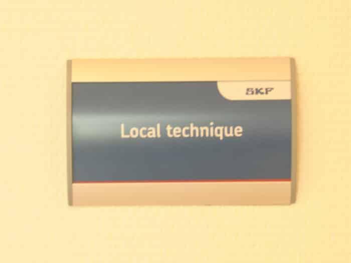 impact communication réalisation de signalétique intérieure SKF à Saint-Marcel (27)