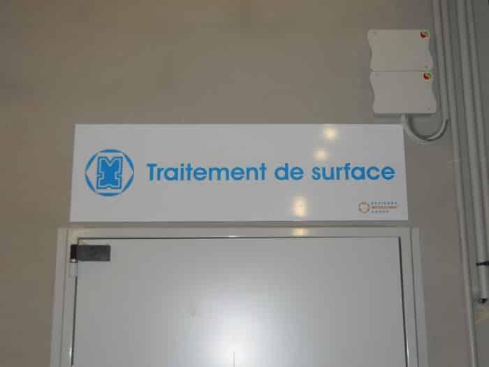 impact communication réalisation de signalétique intérieure usine Dedienne à Saint Aubin sur Gaillon (27)
