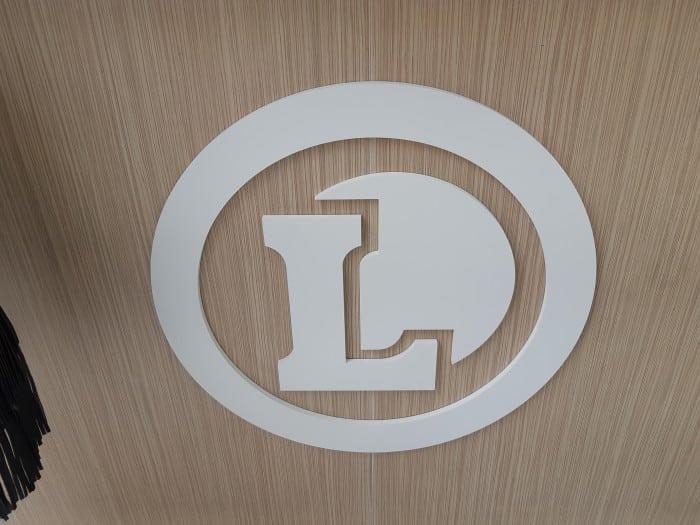 impact communication réalisation logo découpé en PVC Leclerc Saint-Pierre-lès-Elbeuf (76)
