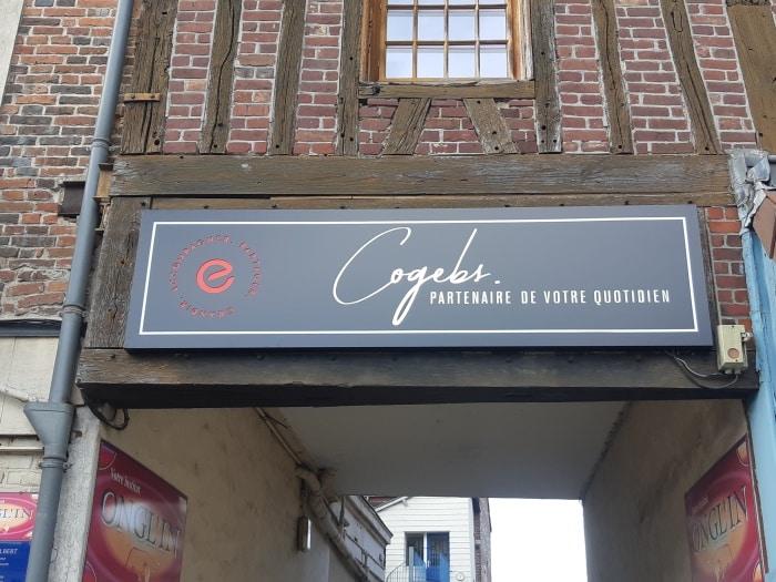 impact communication réalisation et pose d'enseignes pour Cogebs au Neubourg