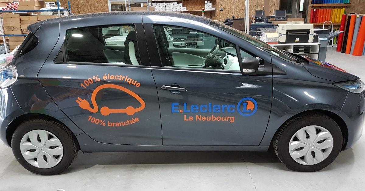 impact communication- décoration véhicule renault zoé – E.Leclerc le neubourg 27