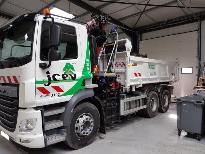 Impact Communication flocage véhicule camion benne JCEV paysagiste au Neubourg 2