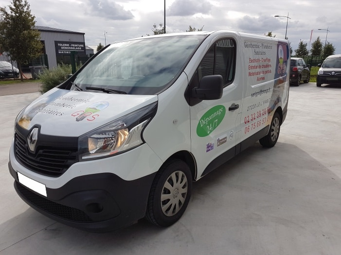impact réalisation – flocage véhicule – GPS – entreprise de plomberie et électricité – entre Evreux et Dreux