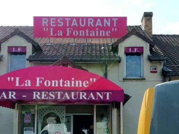 Enseigne extérieure de restaurant